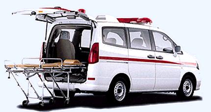 2000年発売 セレナ 救急車   2000年発売 セレナ 救急車